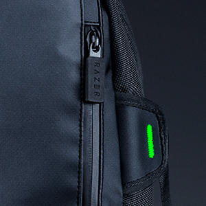 razer-rogue-backpack-13-chromatic-panel-zippers.jpg